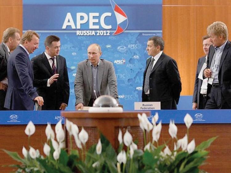 В Международном пресс-центре. Владивосток, сентябрь 2012 г.