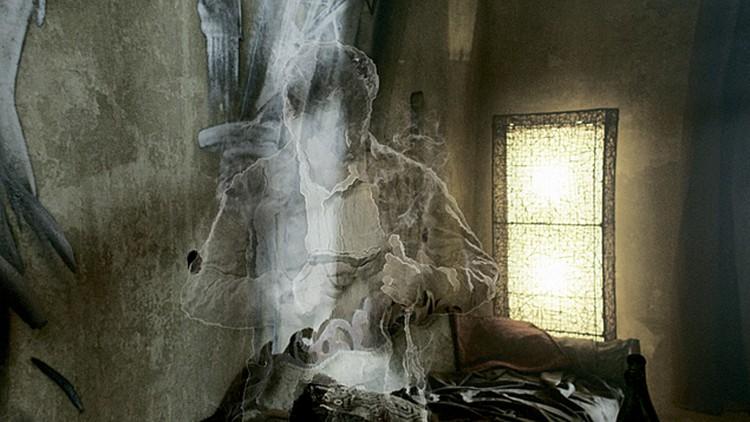 Ноу-хау сериала - «дымные фигуры»: ожившие мысли главного героя.