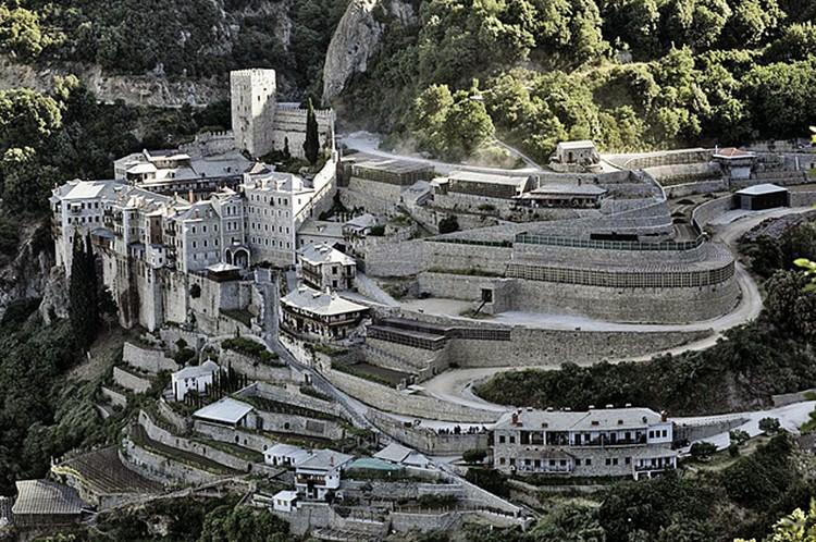 Монастырь Святого Павла, где хранят Дары волхвов.