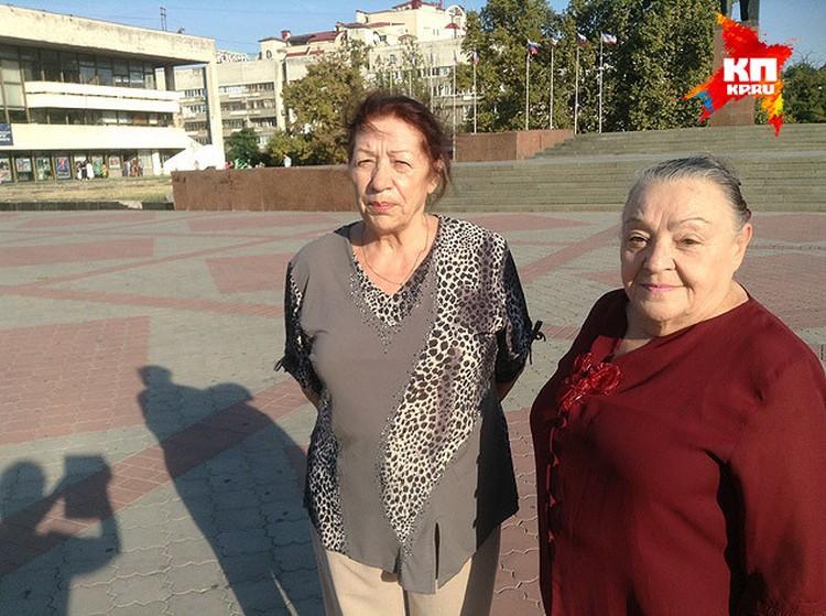 Пенсионеры довольны, им повысил пенсии в три раза.