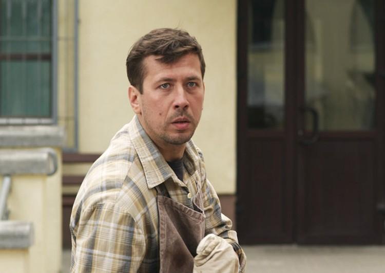 Андрей Мерзликин сыграл совестливого мужа Галюни. ФОТО: Беларусьфильм.