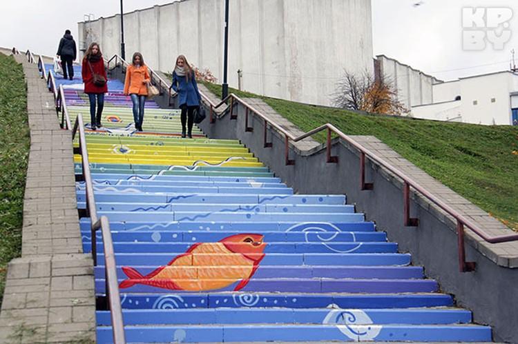 Могилевчане говорят, что хотели бы видеть побольше таких лестниц в родном городе.