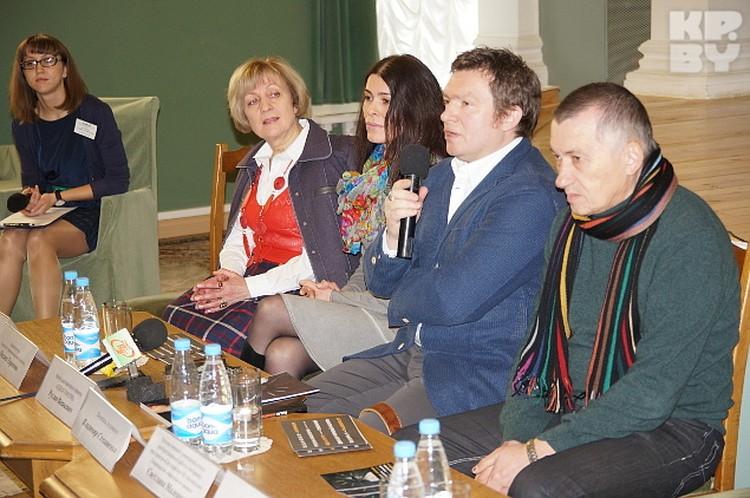 Художник провел пресс-конференцию перед открытием проекта