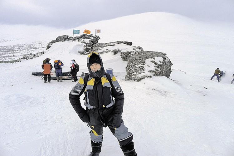 Спецкор «Комсомолки» Николай Варсегов на перевале Дятлова во время зимней экспедиции в марте 2013 года.