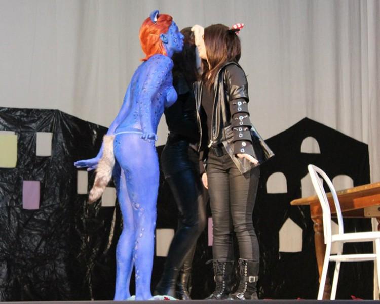 """Образ мистик взят из фильма """"Люди Х"""". Раз на экране такое можно увидеть, то почему и не на сцене, - считают организаторы фестиваля. Фото:  vk.com/kinkifest"""