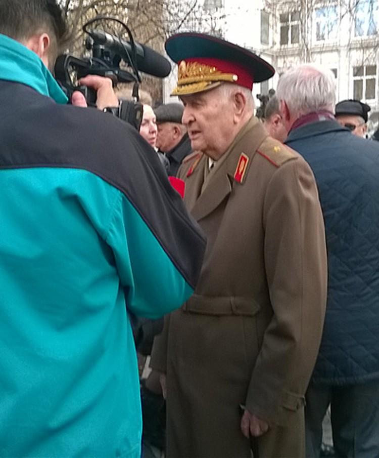 Выступал генерал Агдамов на церемонии посадки Дерева Памяти встрече советских и американских солдат