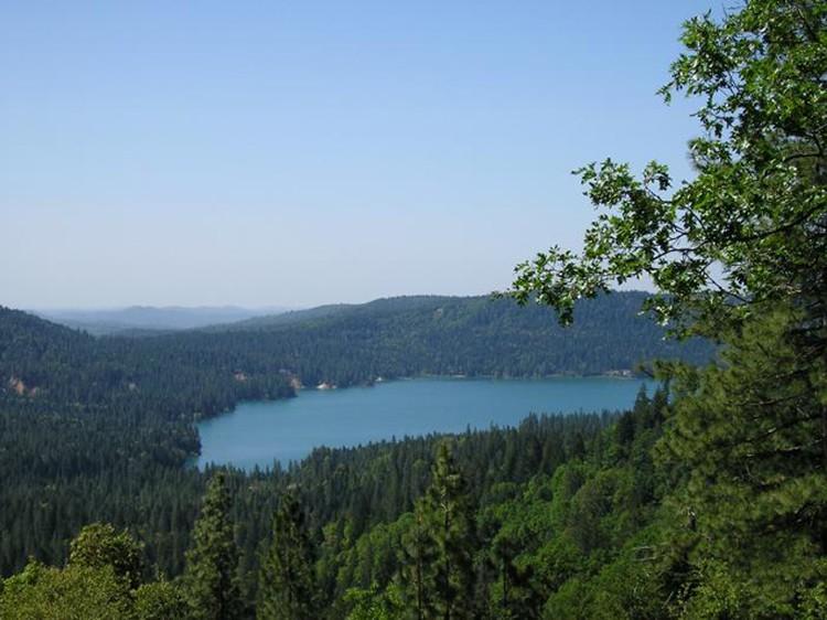 До визита НЛО воды в озере было больше.