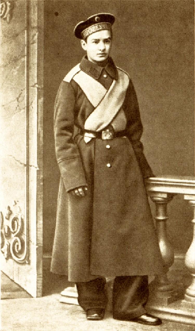 Курсант Морского училища Алексей Крылов в 1882 году.