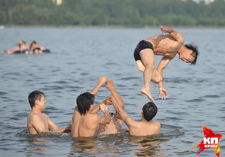 Накануне Роспотребнадзор разрешил купание в 9-ти столичных зонах отдыха из 10-ти имеющихся