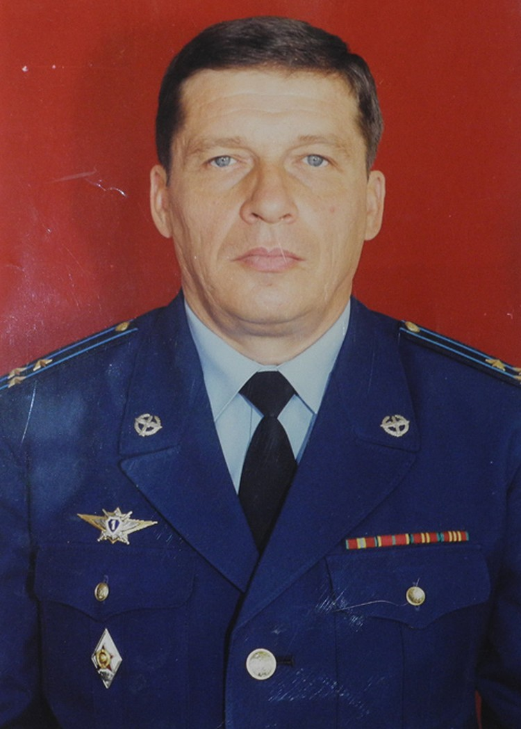 Отец - глава семьи, бывший военный