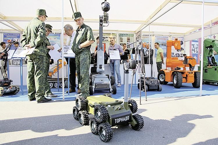 Робот «Торнадо» своими колесами может и ехать, и шагать. Фото: pr.bmstu.ru