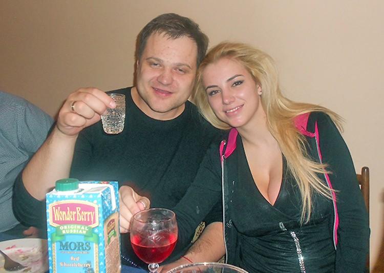Чета Пузиковых сфотографировалась в тот самый вечер, когда Дмитрий умер от отравления.