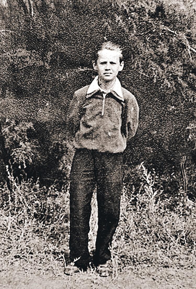 Лелик Табаков «образца студенческих 50-х», когда он за свою первую театральную роль Пети из «Вишневого сада» получил первую премию - часы «Победа».