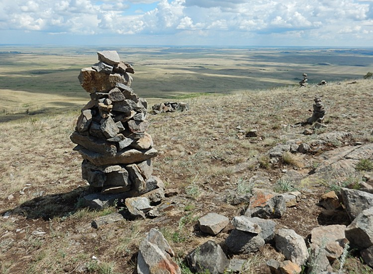 Каменные столбы на горе Меча. Фото - Николай Субботин