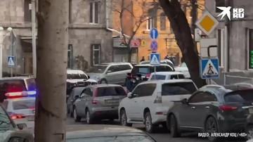 Пашинян покинул здание Национального собрания Армении