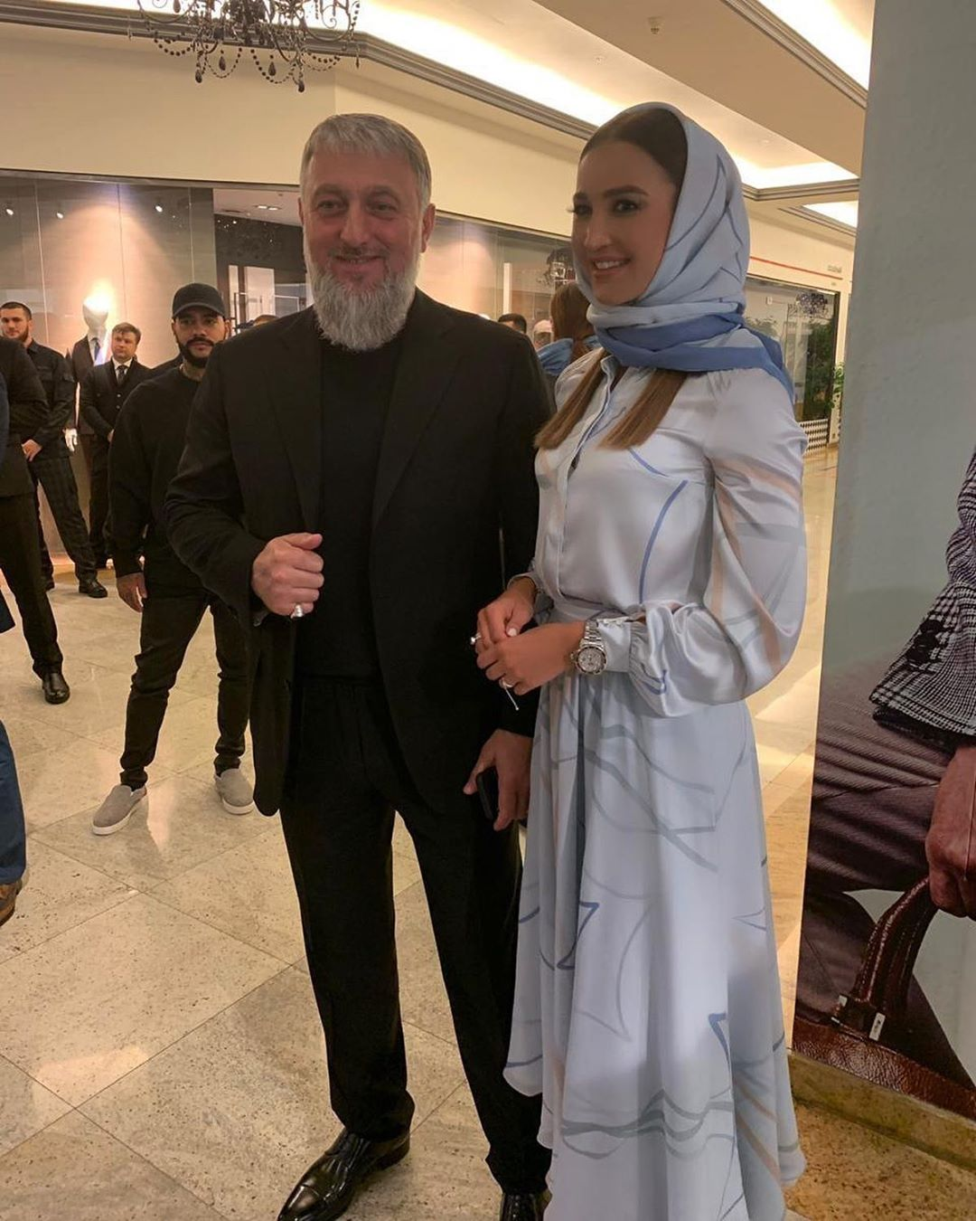 Ольга Бузова разместила фото с депутаом Госдумы РФ Адамом Делимхановым на открытии бутика модного дома Firdaws в Москве