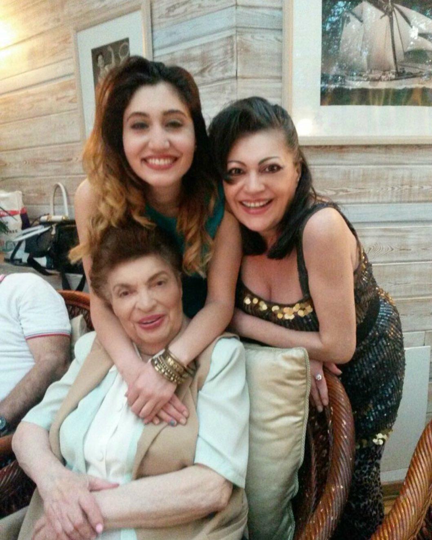 Ирина с мамой и дочкой