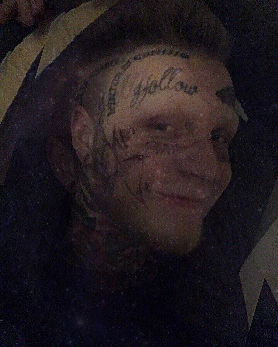 Денис Шальных много лет увлекается татуировками