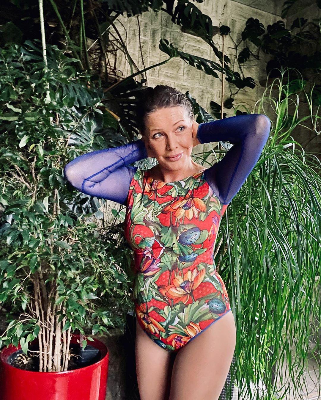 Елена Проклова в идеальной пляжной форме.