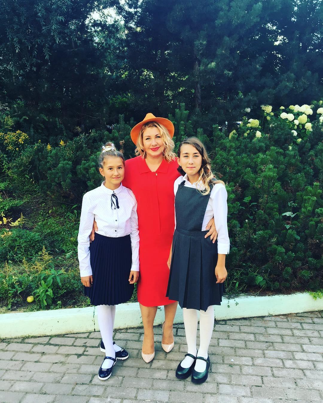 Обе дочки Евы Польны