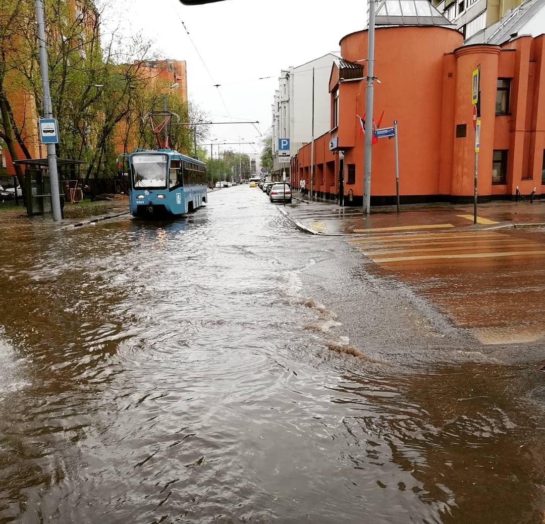 Речной трамвайчик #москва #ливень #потоп #стихия #наводнение