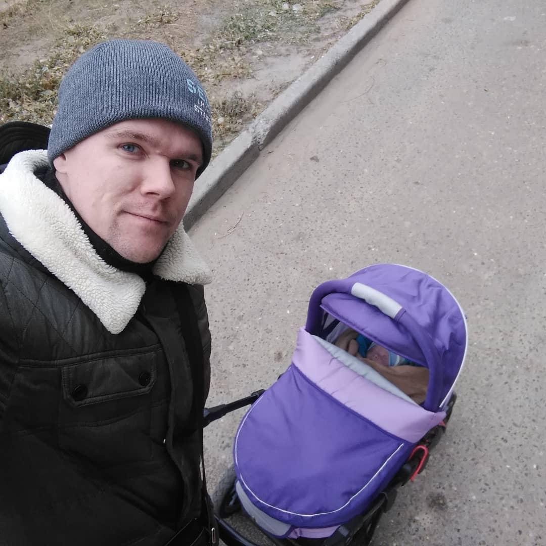 Первая прогулка отца из Волгограда с сыном.