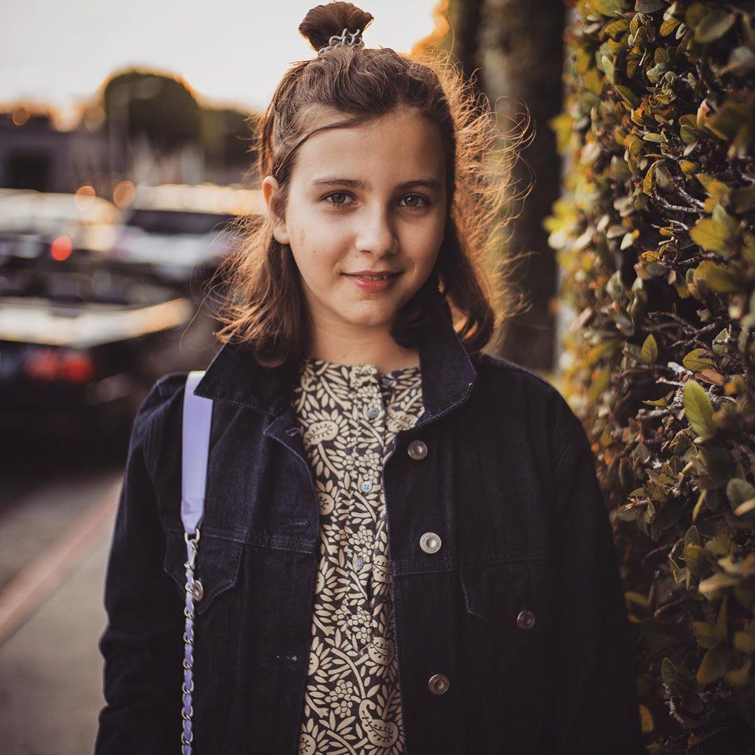 Средняя дочь шоумена Нина