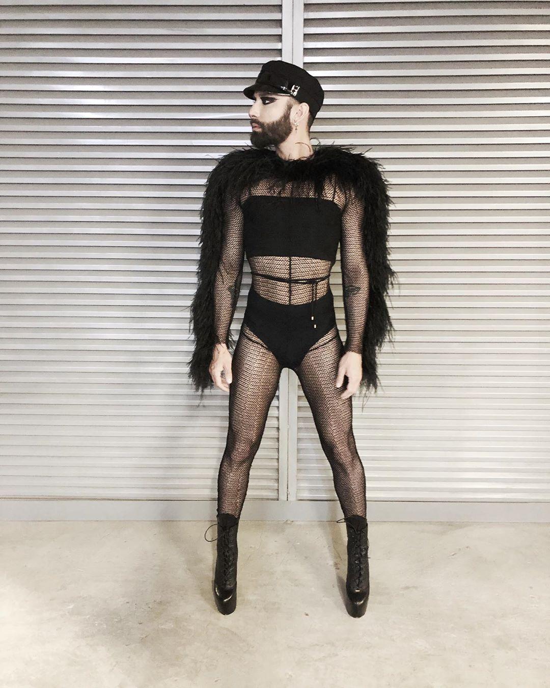 Кончита Вурст вновь вышлал на сцену Евровидения