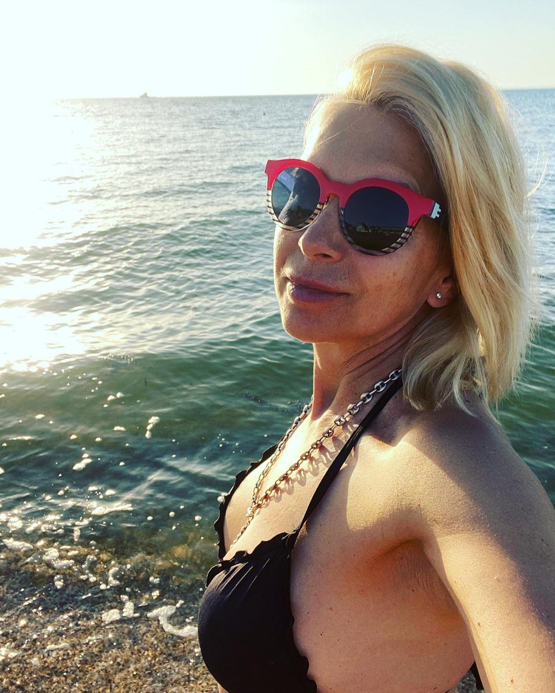 Крымское море Алена Свиридова ценит высоко. Фото: alenasviridova/Instagram