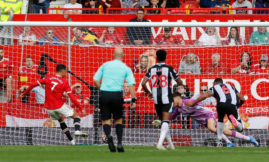 Роналду вновь забивает в АПЛ. Фото: Reuters