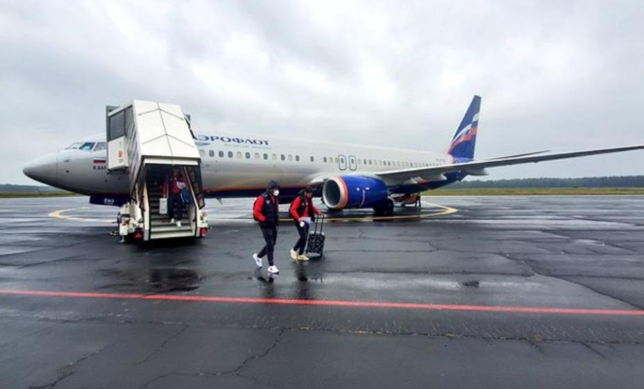 Футбольная национальная команда прибыла в Марибор, где завтра проведет матч отбора ЧМ-2022 против Словении. Фото: Twitter Сборной России